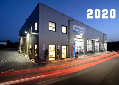 Ansicht des neuen Firmengebäudes mit Hinweis auf das Jahr 2020